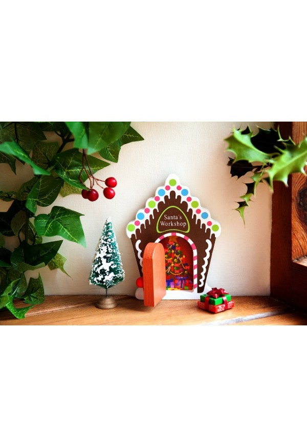 Santas workshop gingerbread house by Fairydoorz